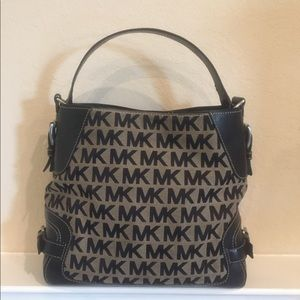 Michael Kors Bucket Tote Bag